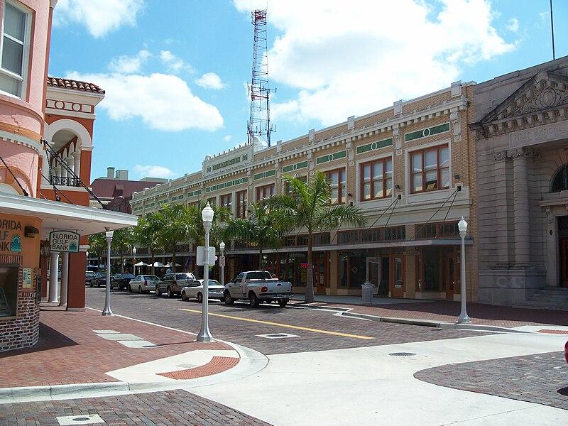 File:Fort Myers FL Downtown HD Earnhardt bldg01.jpg