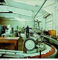 Fotothek df n-35 0000020 Facharbeiter für buchbinderische Verarbeitung.jpg