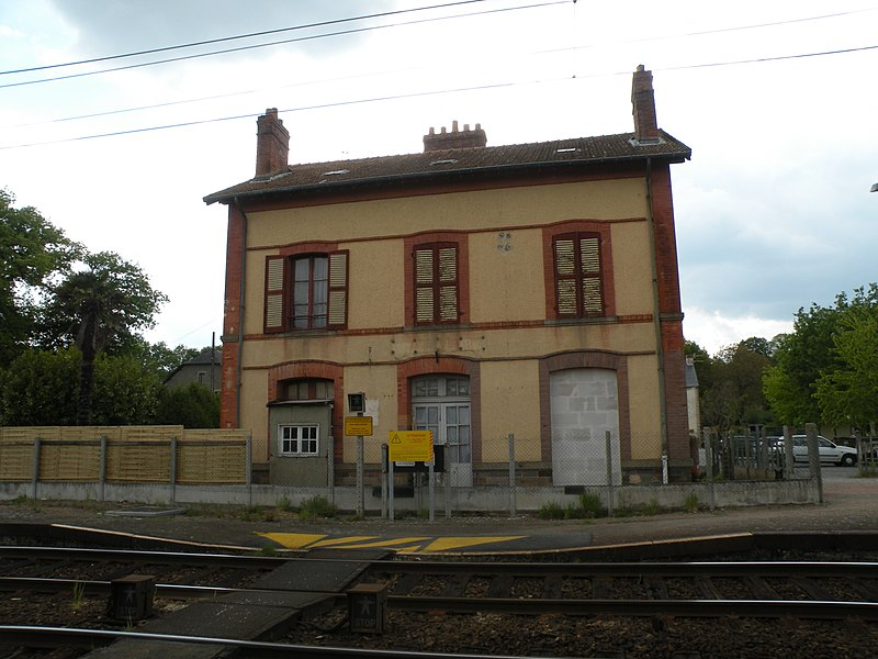 Fougeray - Langon station in Langon.