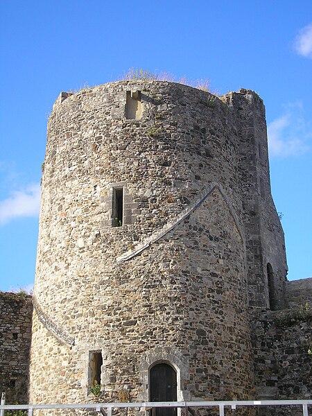 Saint-Sauveur-le-Vicomte (Normandie, France). La Tour du Nord du château.