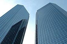 Frankfurt Deutsch Bank Zwillingstürme 2 2005-05-26.jpg