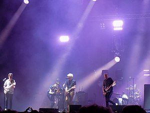 Franz Ferdinand (band) - Franz Ferdinand performing live in 2017. From left to right: Bardot, Corrie, Kapranos, Hardy, and Thomson.