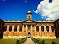 Front Quad of The Queen's College, Oxford 01.jpg