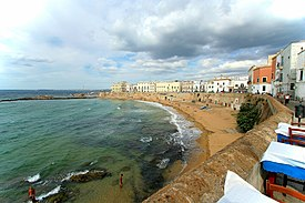 Gallipoli old city beach.jpg