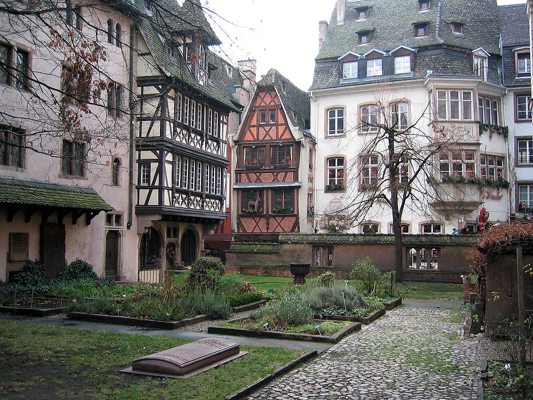 Preserved germanic architecture in alsace lorraine for Strasbourg architecture
