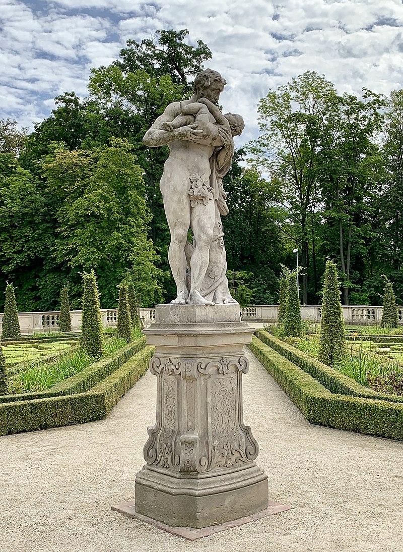 Garden sculptures of the Wilanów Palace, Poland 13.jpg