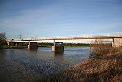 Geograph 312987 Dunham Bridge.jpg