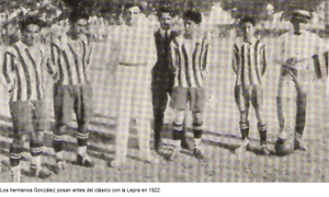 Gimnasia y Esgrima de Mendoza - The González Brothers before a derby in 1922.