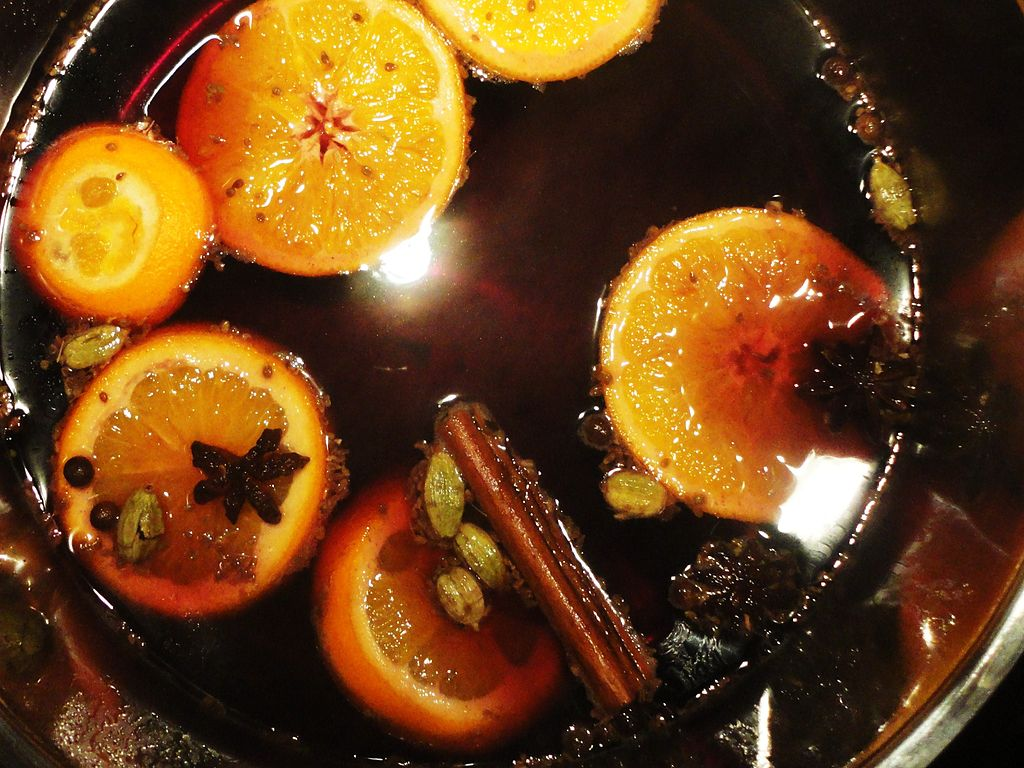 Not quite wassail (mulled wine, photo by Angela Huster)