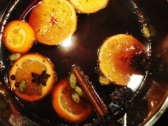 Mulled wine - Mulled wine, steeping with spices and fruit