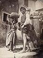 Gloeden, Wilhelm von (1856-1931) - n. 0007 B - Piazza Duomo - Pohlmann p. 88 - Dal sito del National Geographic.jpg