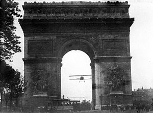 Nieuport - Charles Godefroy flies a Nieuport fighter through the Arc de Triomphe in 1919