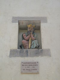 Gondebaud Statue.JPG