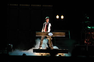 Lawrence Gowan - Lawrence Gowan in 2006 at a Styx show.
