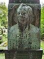 Gräber Ostfriedhof München 3.jpg