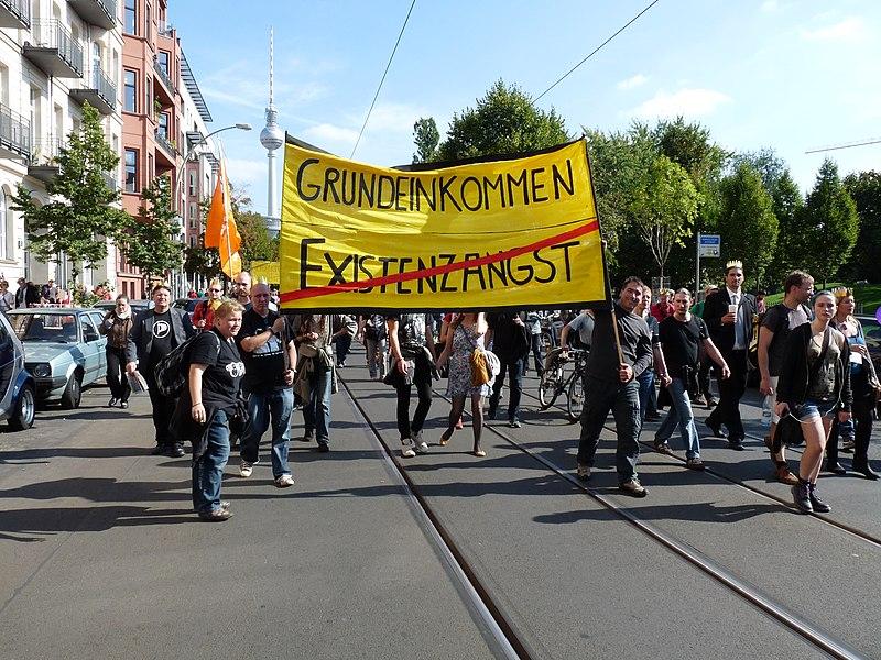 File:Grundeinkommen statt Existenzangst BGE Berlin 2013.jpg