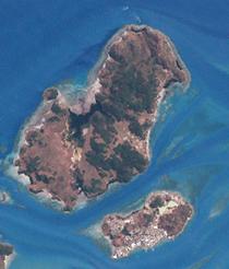 Hammond and Thursday, Torres Strait (Landsat).png
