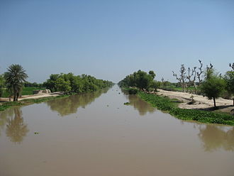 Bahawalpur - Irrigation from canals such as this provides the city with fertile soil for crop production.