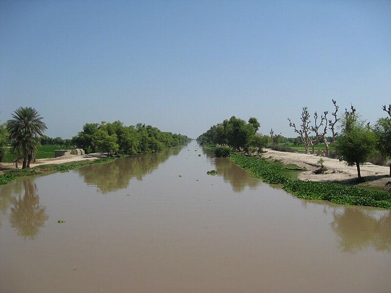 File:Hasilpur Bahawal Canal.jpg