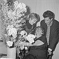 Heintje Davids 75 jaar Heintje Davids, Jasperina de Jonge en Rudi Carrell, Bestanddeelnr 914-8093.jpg