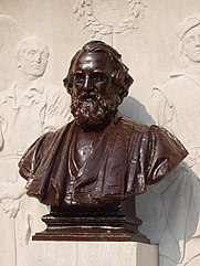 Henry_Wadsworth_Longfellow_memorial,_Cambridge,_MA_-_bust.JPG