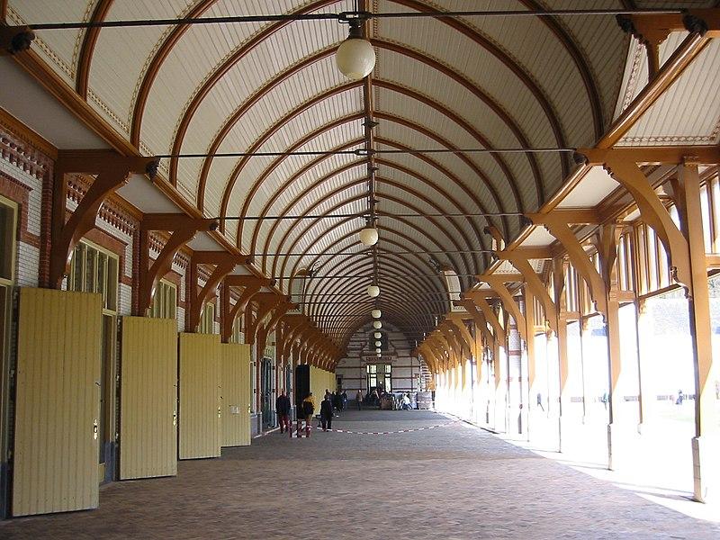 Koninklijke Stallen in Apeldoorn   Monument