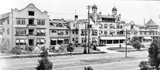 Hollywood Hotel - Hollywood Hotel in 1905, after expansion.