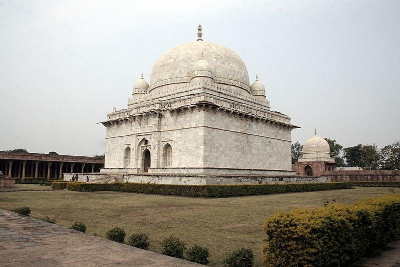 File:Hoshang Shah Tomb.JPG