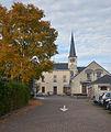 Huldenberg Gemeentehuis en kerk.jpg