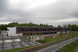 Snarøya - Secondary school at Hundsund grendesenter