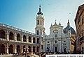 I-Loreto-Basilica.jpg