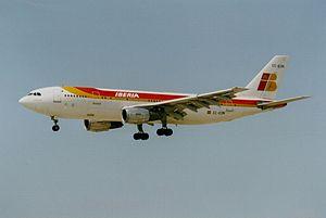 Iberia Airbus A300B4-203 EC-EON.jpg