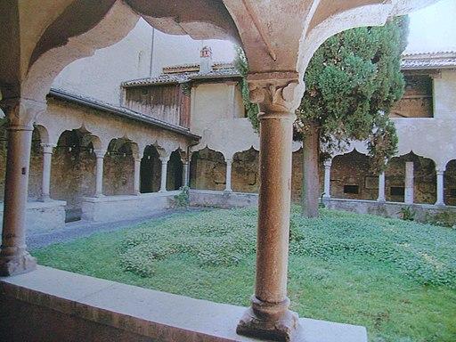 Il chiostro del monastero di San Francesco di Gargnano