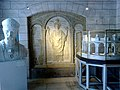 Indre-Et-Loire Tours Basilique Saint-Martin Nef Exposition 18052012 - panoramio.jpg
