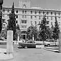 Ingang van het King David Hotel aan de King David Street, Bestanddeelnr 255-2265.jpg