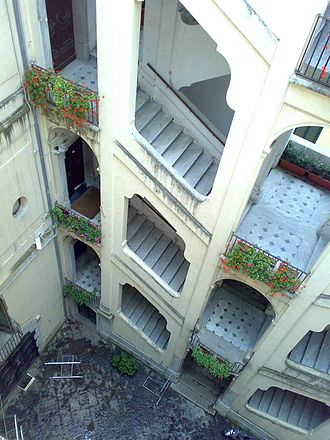 Inner court of Palazzo Genovese in Salerno.jpg