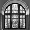 Interieur hal, gebrandschilderd glas-in-loodraam - Rotterdam - 20368251 - RCE.jpg