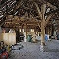 Interieur schuur, overzicht met gebint en kapconstructie - Sint-Michielsgestel - 20340258 - RCE.jpg