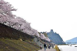 Inuyama Castle - Inuyama Castle and Kiso River