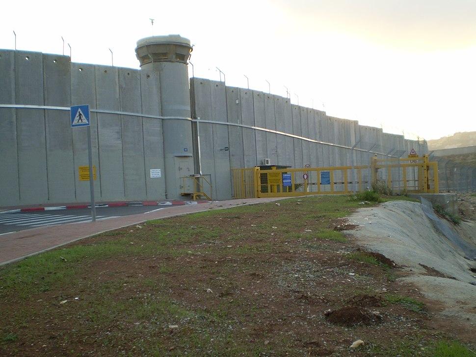 Israeli checkpoint near Rachel's Tomb
