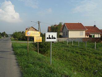 Jabuka - Entry to the village
