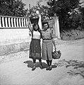 Jagodičeva in Beranova pred odhodom v Ljubljano 1953.jpg