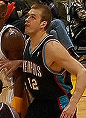 Jake Tsakalidis - Tsakalidis, playing with the Memphis Grizzlies, in 2003.
