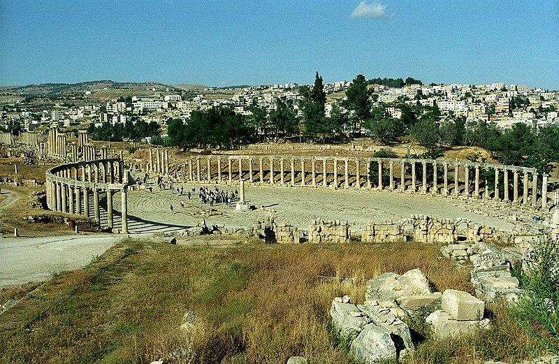 ✰✰ الأردن _سياحة علاجية و جولة في التاريخ القديم_✰✰ 800px-Jerash11-Forum