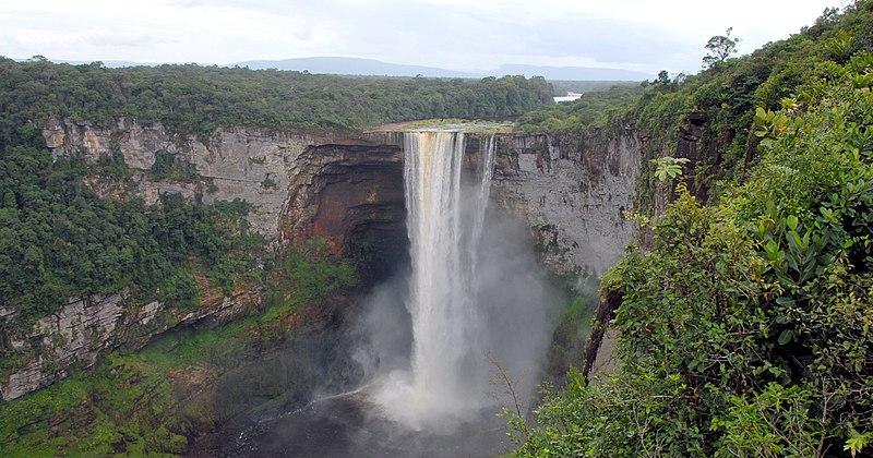 Archivo:Kaieteur Falls Guyana (2) 2007.jpg