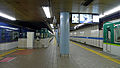 Keihan Electric Railway Yodoyabashi Station platform 2012-2.jpg