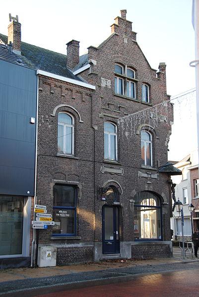 Kerkstraat 2, Sint-Amands