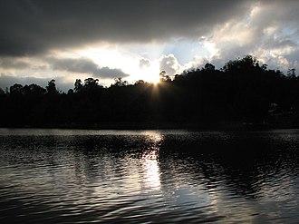 Kodaikanal Lake - Image: Kodai Lake Sunset