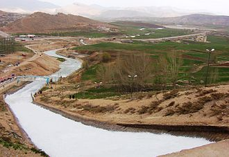 Zayanderud - The Origin of Zayanderud, Koohrang tunnel extracts water from inside the Zagros Mountains.