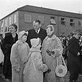 Koning Frederik IX en koningin Ingrid met hun kinderen op de kade in Kopenhagen , Bestanddeelnr 252-8660.jpg